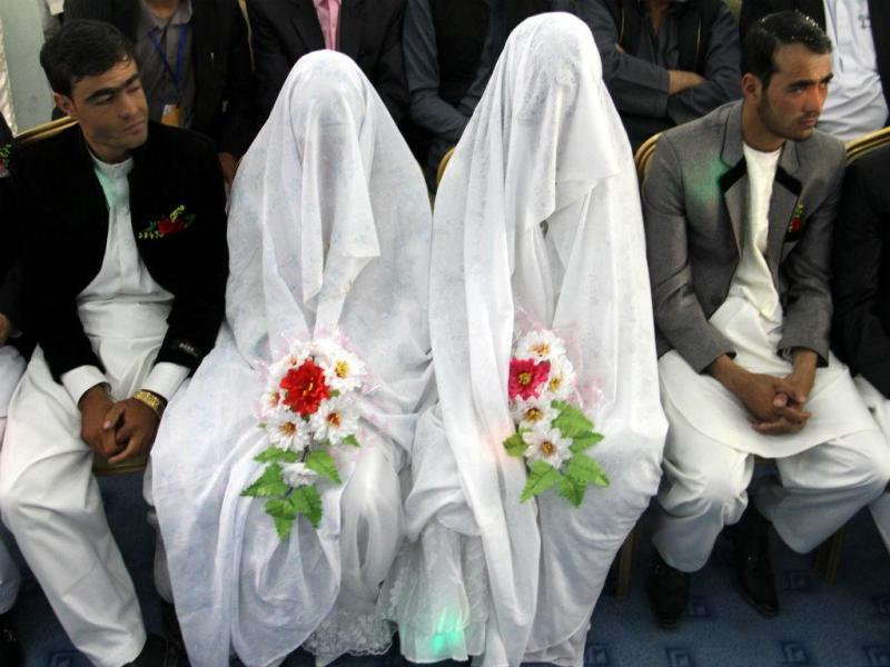 Noivas afegãs. Casamento coletivo oferecido a famílias pobres de Ghazni (EPA/LUSA)