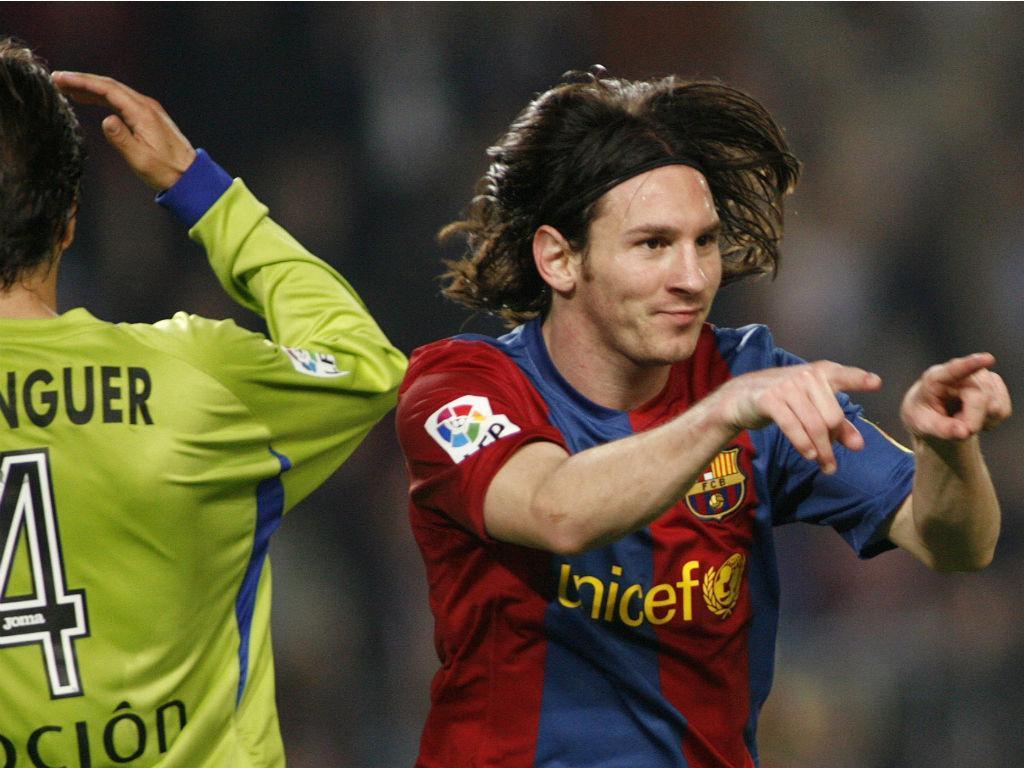 Messi marca ao Getafe (Albert Gea/Reuters)
