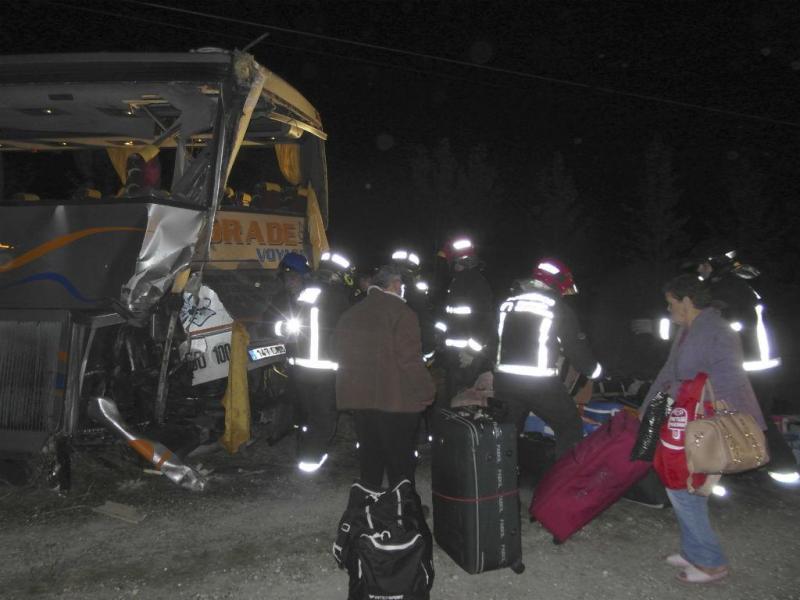 Espanha: acidente com autocarros de portugueses faz três mortos (LUSA/EFE)
