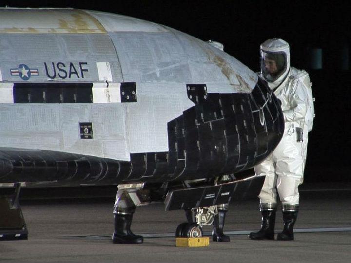 Veículo espacial não tripulado aterrou na Califórnia, depois de ter estado dois anos no Espaço (Reuters)
