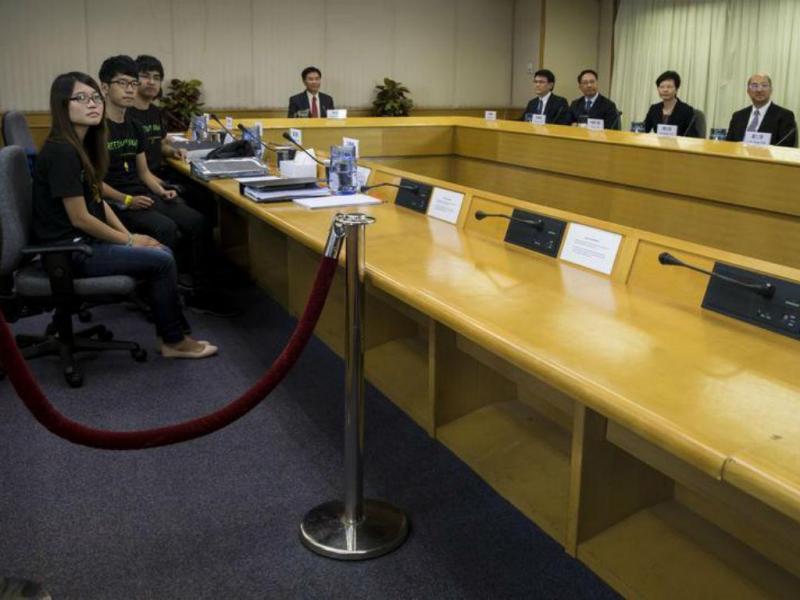 Hong Kong: reunião entre estudantes e Governo [Foto: Reuters]