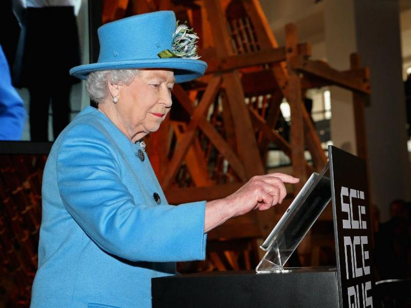 Rainha Isabel II estreia-se no Twitter (REUTERS)