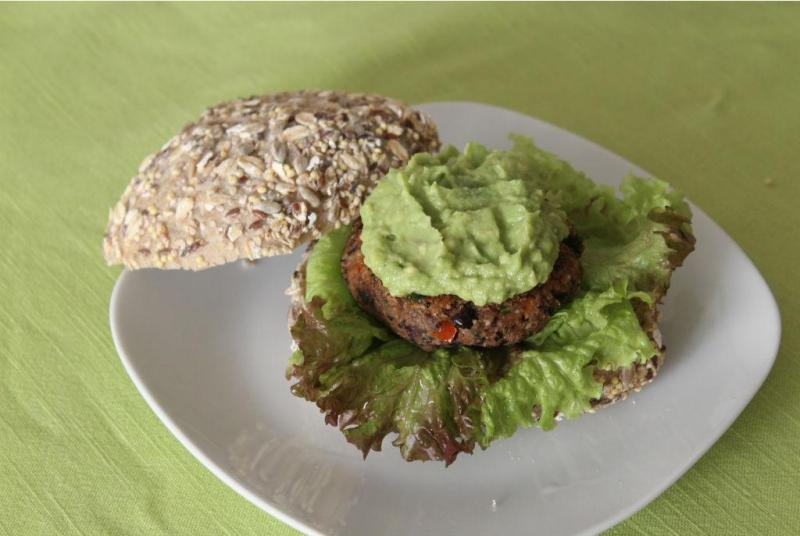 Hambúrguer vegan (fotografia de Inês Sousa de Menezes)