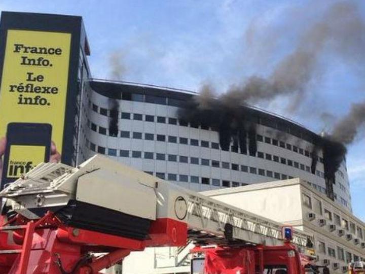 Incêndio na Radio France (Twitter)