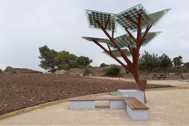 eTree: árvore que converte luz solar em energia