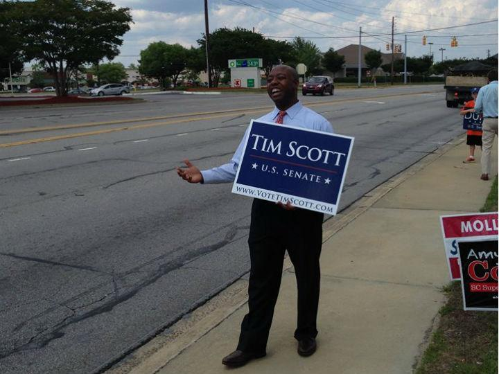 Tim Scott é o primeiro senador afro-americano da Carolina do Sul (Facebook)