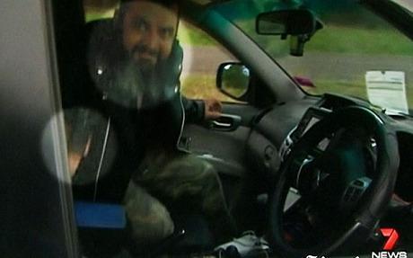 Criminoso confessa crime e rouba carro de jornalista