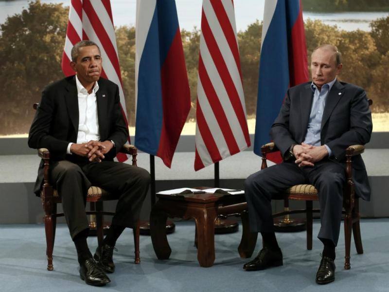 O silêncio constrangedor entre Barack Obama e Vladimir Putin na Cimeira do G8, na Irlanda do Norte, em junho de 2013, ainda antes do agravamento das relações entre os EUA e a Rússia. REUTERS/Kevin Lamarque