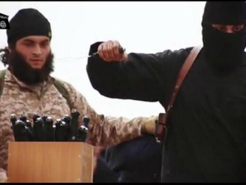 Jihadista alegadamente identificado como Mickaël dos Santos (Reprodução Twitter)