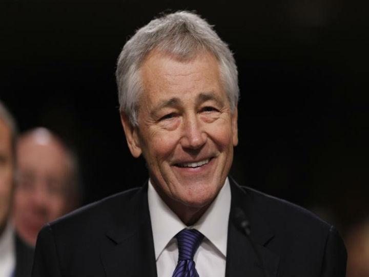 Secretário da Defesa demitiu-se esta segunda-feira (Reuters)
