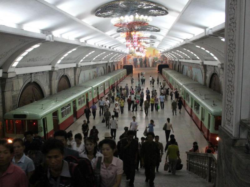 Estação de metro na Coreia do Norte