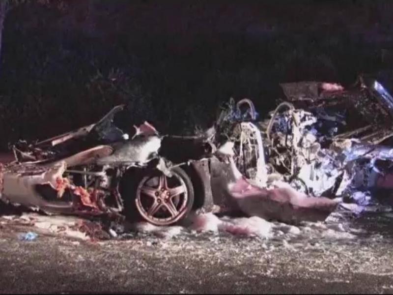 Acidente deixa Ferrari irreconhecível (Reprodução/ Youtube/ Super News Planet)