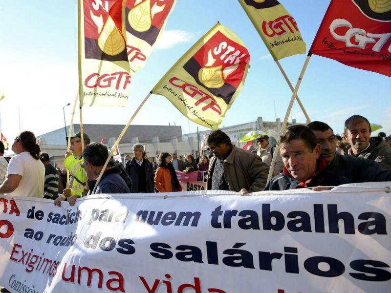 Manifestação de funcionários públicos (LUSA)