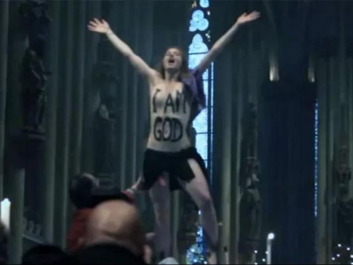 Ativista subiu ao altar de Catedral de Colónia