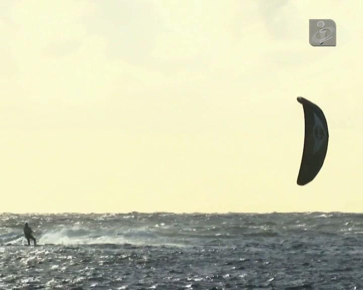 300 Km em kitesurf entre as Selvagens e o Funchal