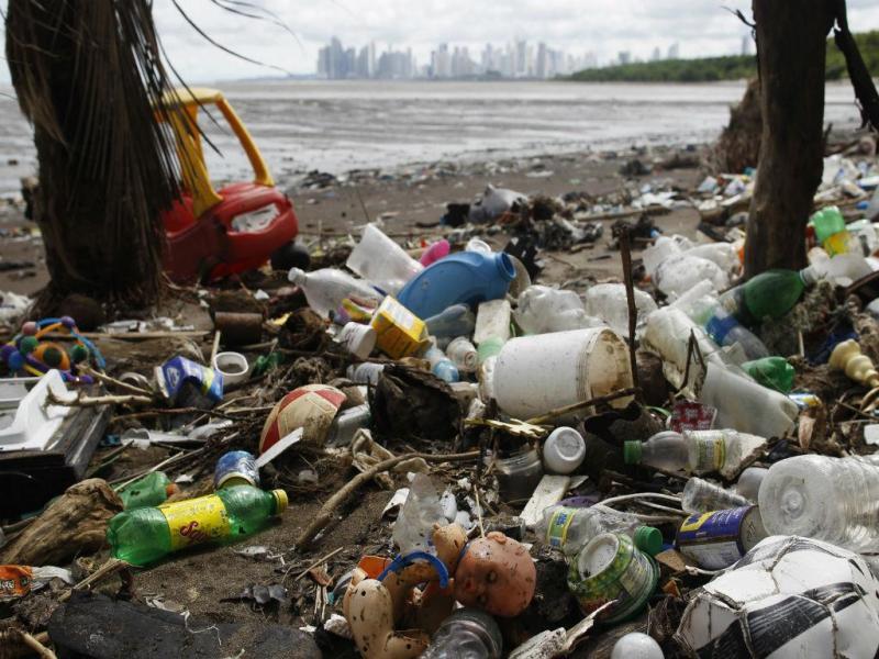 Poluição nos oceanos (REUTERS)