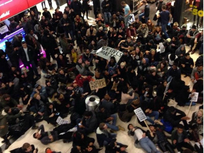 Protesto em Londres pela morte de Eric Garner [Foto: Instagram]