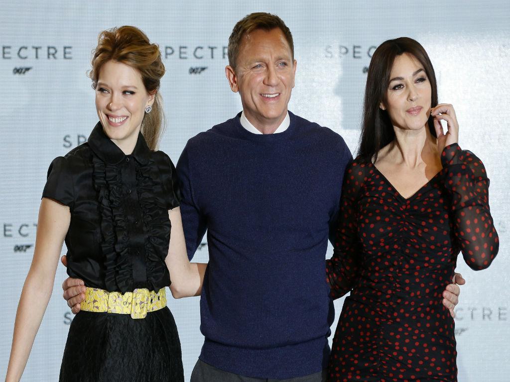 Lea Seydoux, Daniel Craig e Monica Bellucci no evento que marcou o início de produção do novo filme de James Bond  «Spectre» (REUTERS)