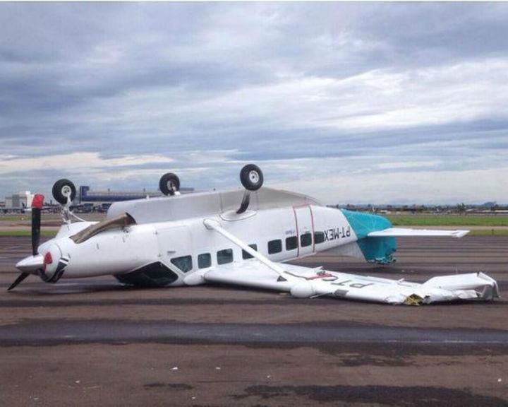 Vento capota avião no Brasil