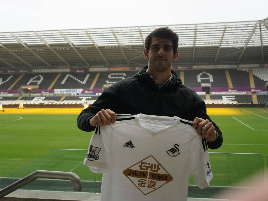 Nelson Oliveira (foto Facebook Swansea)