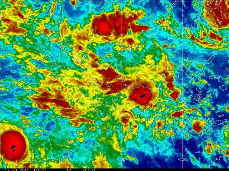 Tempestades sentidas na altura do desaparecimento do avião da AirAsia (Reprodução/ Twiiter James Reynolds)