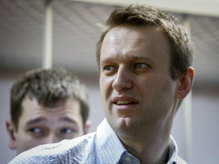 Alexei Navalny foi condenado a três anos e meio de prisão com pena suspensa (Reuters)