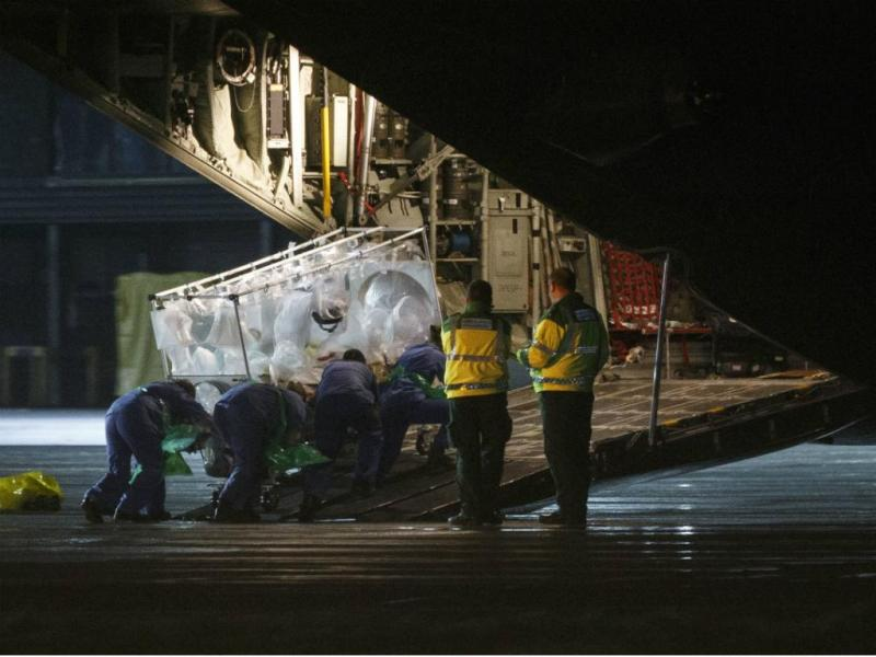 Enfermeira escocesa com ébola levada para Londres [Reuters]