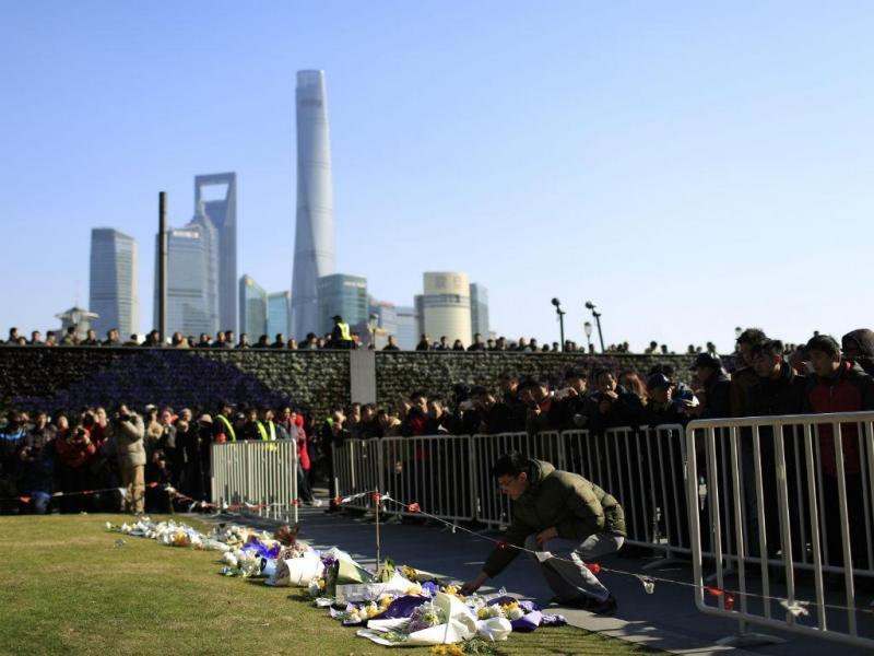 Homenagem às vítimas em Xangai (REUTERS)