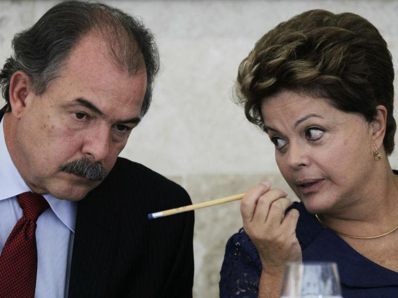 Dilma Rousseff com Aloizio Mercadante (REUTERS)