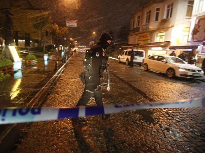 Atentado em esquadra de polícia na Turquia (REUTERS)