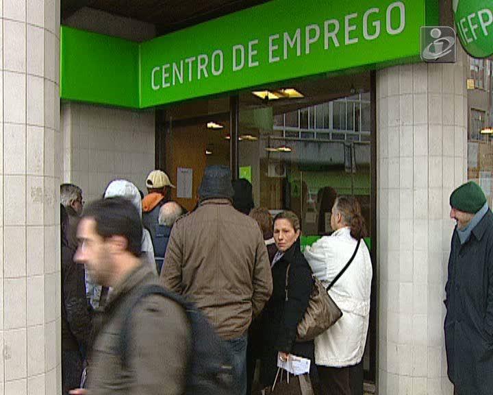 Desemprego sobe para 13,9% em novembro