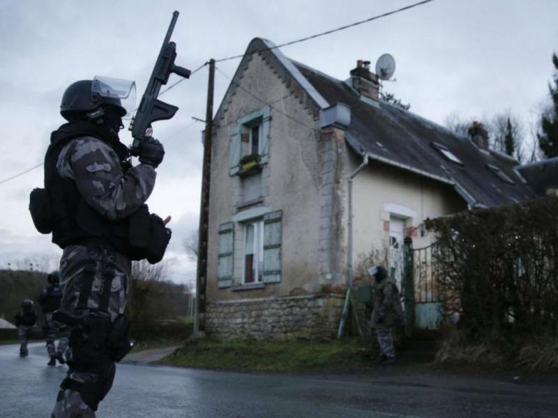 Caça aos dois suspeitos do ataque ao «Charlie Hebdo» (REUTERS)