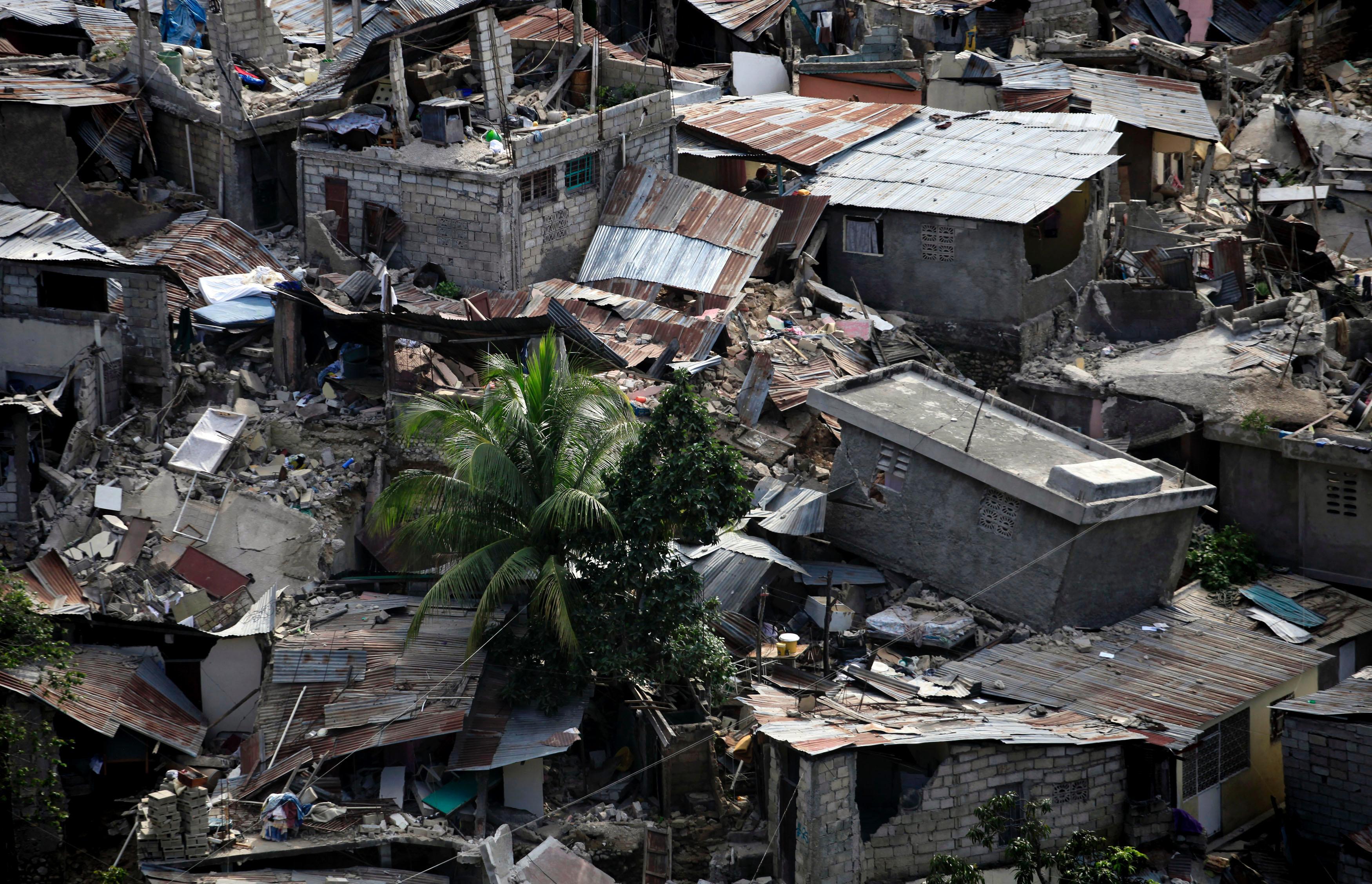 A12 de janeiro de 2010, um terramoto de magnitude 7.0 na escala de Richter abalou o Haiti. Epicentro foi perto de Port-au-Prince, a capital. 3 500 000 pessoas foram afetadas com o terramoto.