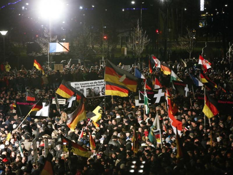 Protesto contra o Islão juntou cerca de 25 mil pessoas na Alemanha (Reuters)