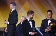 Ronaldo com a Bola de Ouro