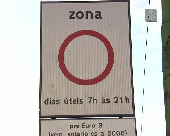 Carros anteriores a 2000 deixam de poder circular no centro de Lisboa