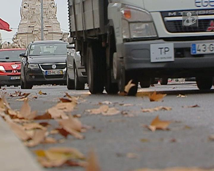 Carros anteriores a 2000 impedidos de circular em Lisboa