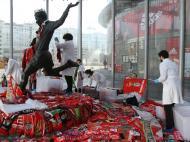 Estrutura de proteção da estátua de Eusébio retirada (foto Gualter Fatia / SL Benfica)