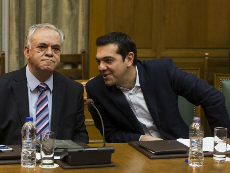 Alexis Tsipras com Yannis Dragasakis  (Reuters)