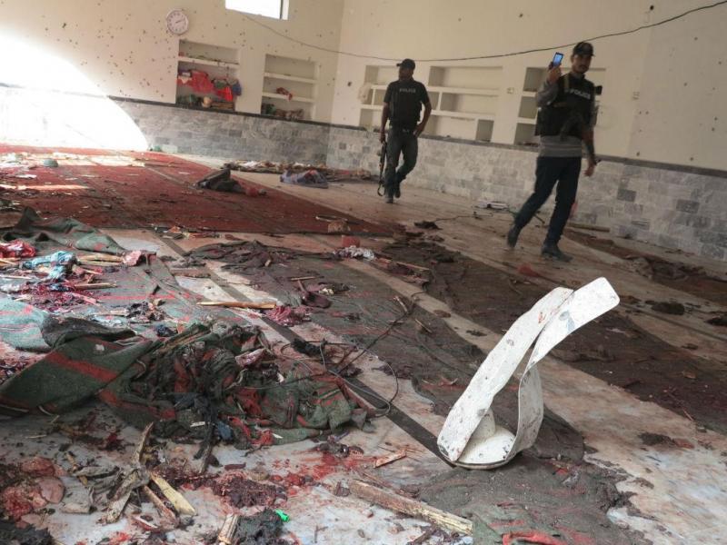 Ataque a mesquita no Paquistão (EPA/LUSA)