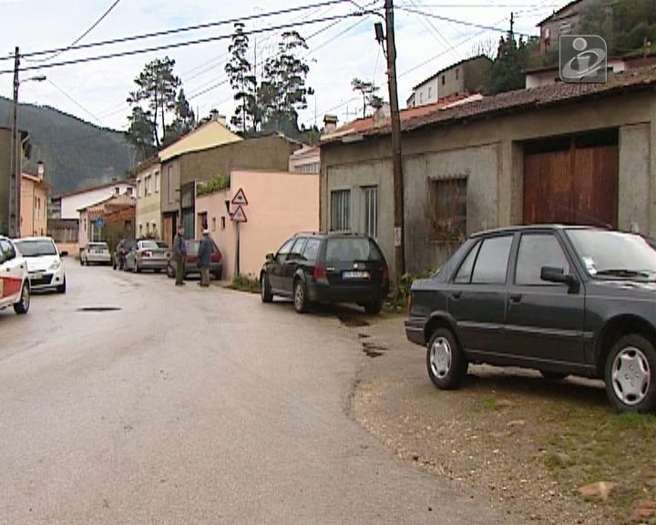 População do Cabouco limpa estragos provocados pelas cheias