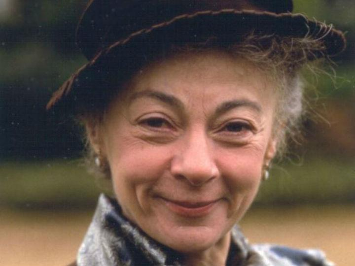 Geraldine McEwan (DR)