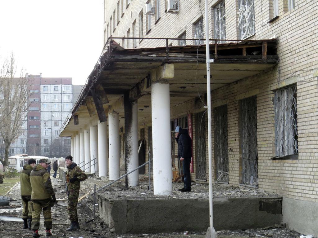 Hospital de Donetsk atingido por bomba (REUTERS)