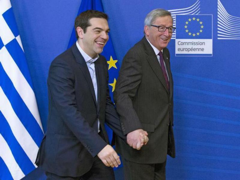 Alexis Tsipras e Jean-Claude Juncker [Foto: Reuters]