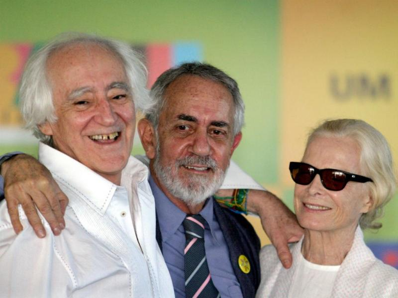 Atores brasileiros José Celso Martinez Correa, Paulo José e Odete Lara, em 2004 (REUTERS)