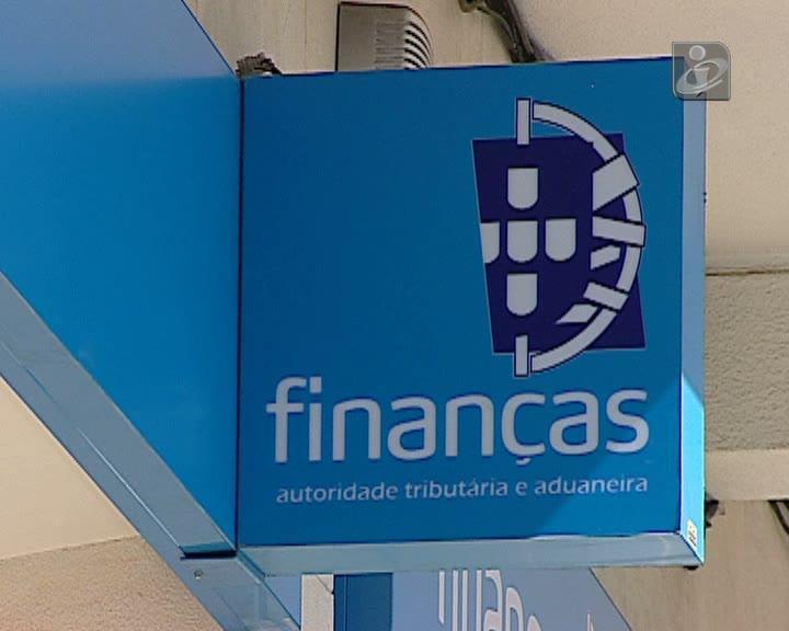 Fisco retém IRS a mais todos os meses, sobretudo à classe média