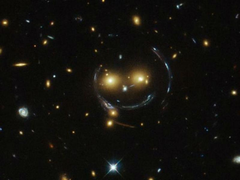 Telescópio Hubble capta «sorriso» no Espaço (NASA/ESA)