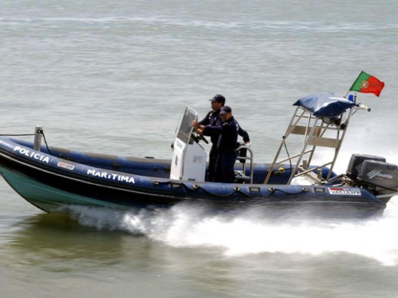 94268d27c5 Marinha salva três pescadores em Olhão | TVI24