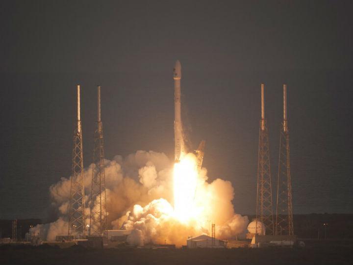 Observatório Deep Space Climate é transportado pelo foguetão Falcon 9 (NASA)