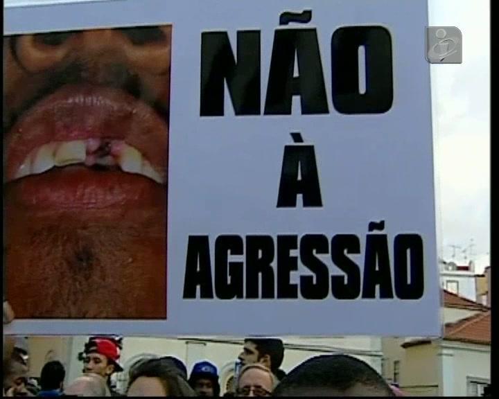 Moradores da Cova da Moura manifestaram-se em frente à Assembleia